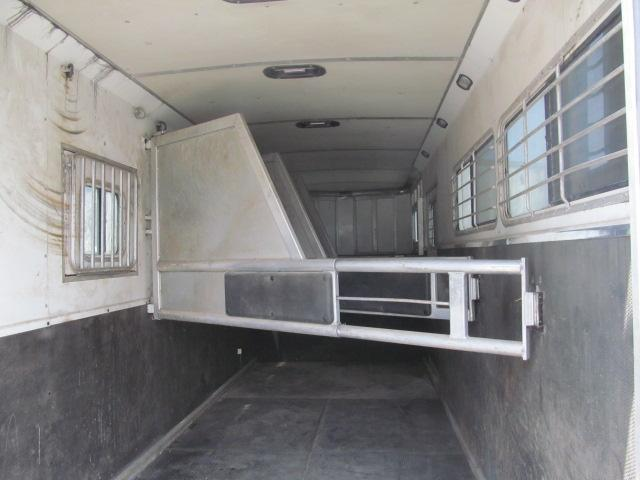 2008 Shadow Trailers 3/4 Horse Racer Trailer