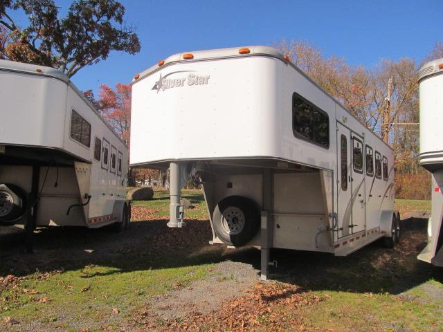 2005 Silver Star Trailers 4 Horse Slant GN with DR Horse Trailer