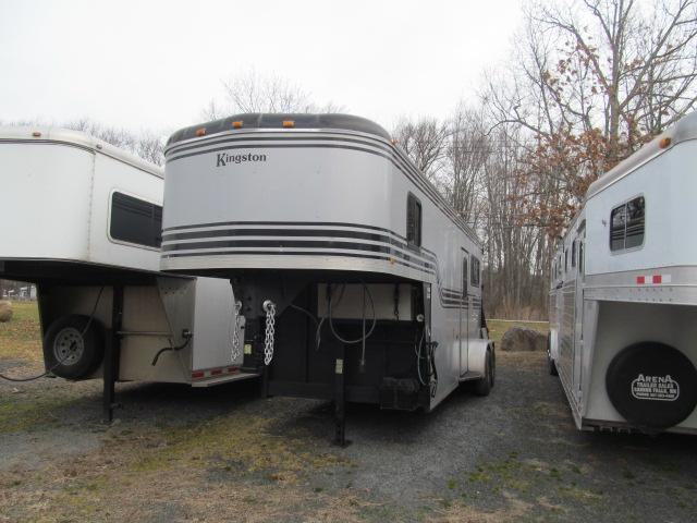 2003 Kingston Trailers Inc. Brunswick Horse Trailer