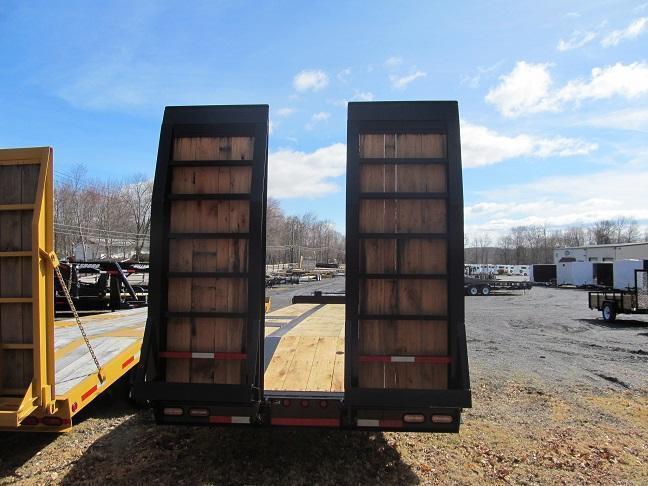 Winston 20 Ton Paver w/ 8 Hydraulic Ramps Equipment Trailer