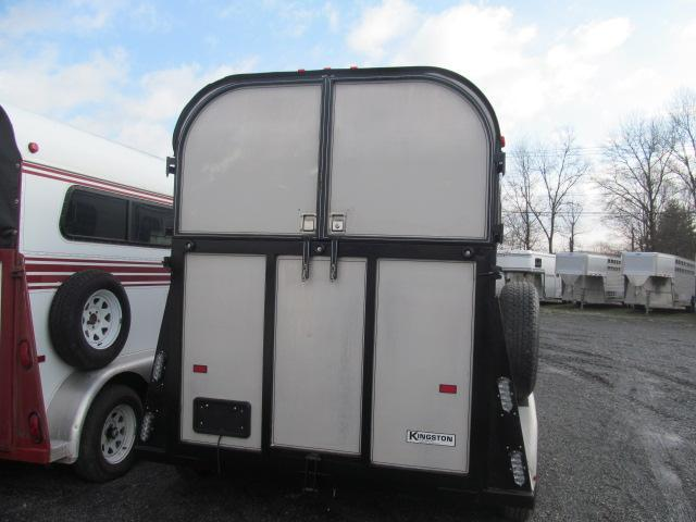 1995 Kingston Trailers Inc. Thoroughbred Deluxe with DR Horse Trailer
