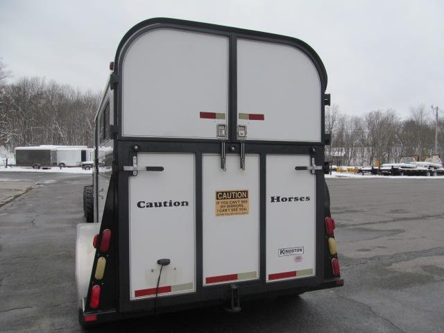 2001 Kingston Trailers Inc. Thoroughbred Deluxe with DR Horse Trailer