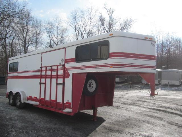 2002 Hawk Trailers 2 Plus 1 Gooseneck Horse Trailer
