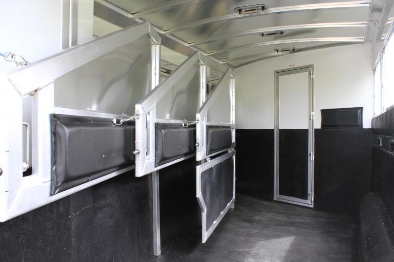 2020 Elite 4 Horse 10.8ft Shortwall with Mangers