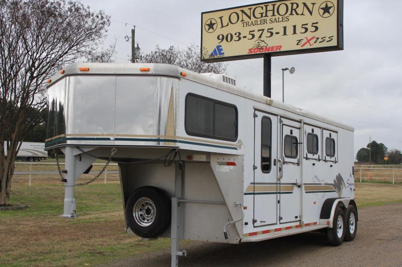 1999 Sundowner 3 Horse Gooseneck with Rear Ramp