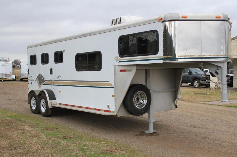 1999 Sundowner 3 Horse Gooseneck with Rear Ramp