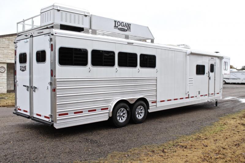 2019 Logan Coach4 Horse 14ft Living Quarter with Slide and Gen.