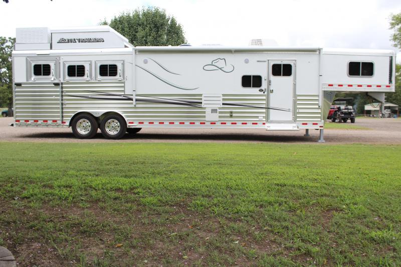 2020 Elite 3 Horse 15ft Resistol LQ with Slide Side Load