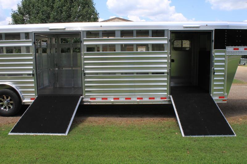 2020 Elite 28ft Show Cattle Double Side Ramp