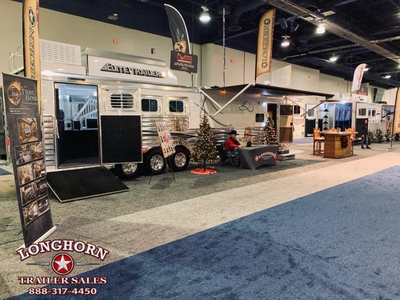 2020 Elite  4 Horse 15.8ft Living Quarter with Slide Out NFR SHOW TRAILER