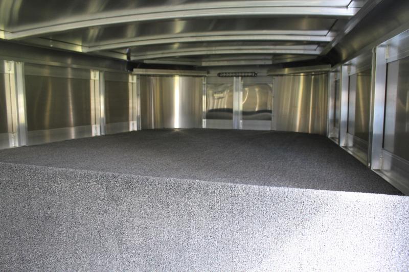 2020 Sooner 8 Pen Gn / Insulated Roof / Drop windows