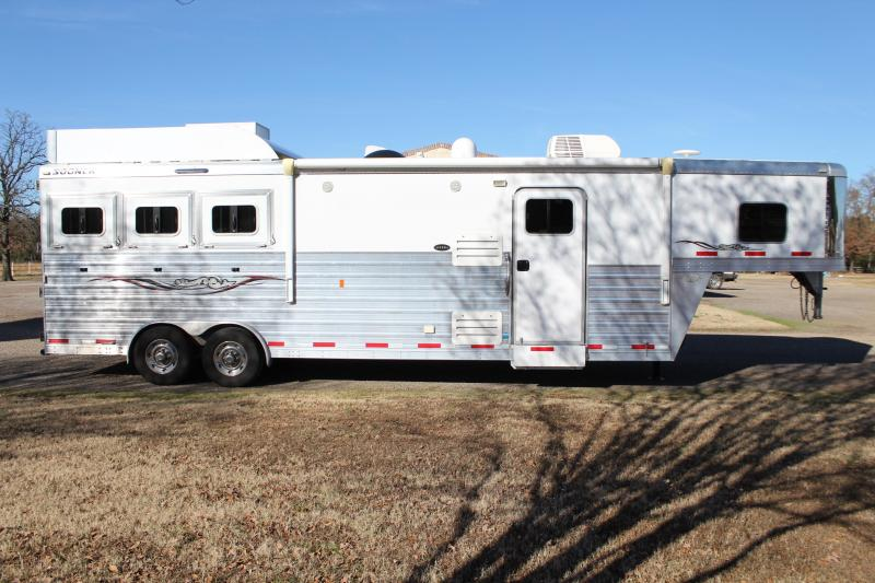 2015 Sooner 3 Horse 12ft Living Quarter with Generator Horse Trailer