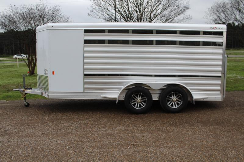 2020 Exiss Low Pro with 6 Pens and Insulated Roof