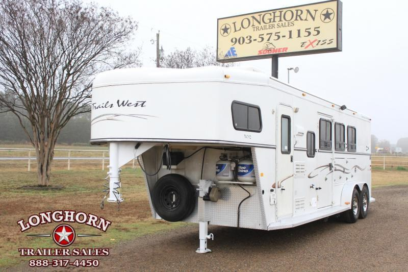 2005 Trails West  3 Horse 7 Ft Living Quarter w/ Mangers