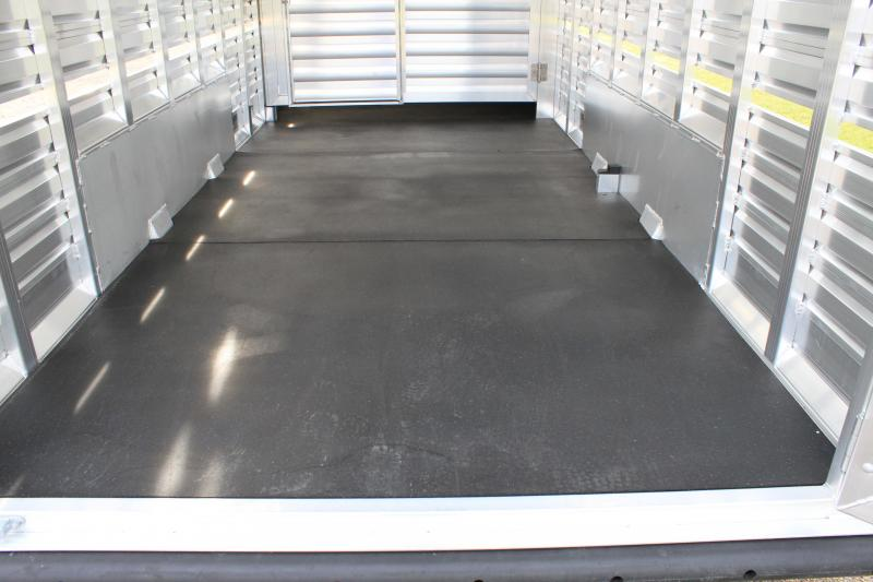2020 Exiss Trailers 24ft Show Cattle with Side Ramp in Stock Area