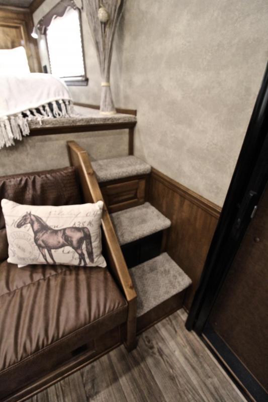 2020 Elite Trailers 3 Horse 10.8ft Living Quarter with Generator Horse Trailer