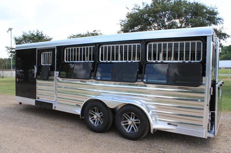 2020 Exiss 20ft Low Pro with 8 Pen System / Drop Windows & Side Ramp