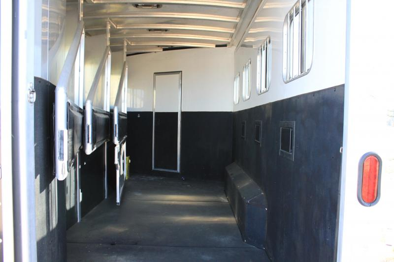 2013 Exiss  4 Horse 16' Lq w Slide out