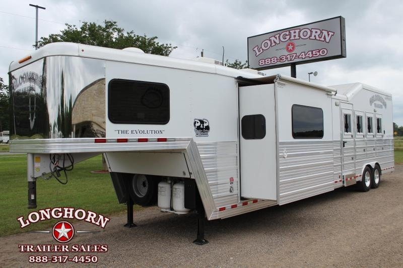 2014 Bloomer 4 Horse 17ft LQ with Bunk Beds and Gen Horse Trailer