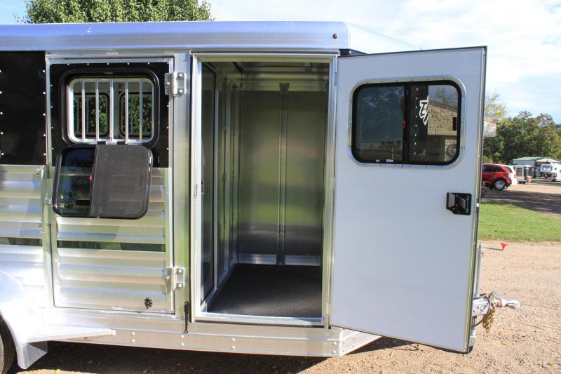 2020 Exiss Trailers 6 Pen Low Pro with Drop Down Windows / Insulated Roof