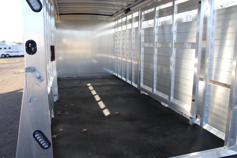 2020 Sooner 24ft Stock Combo with Side Ramp Into Tack Livestock Trailer