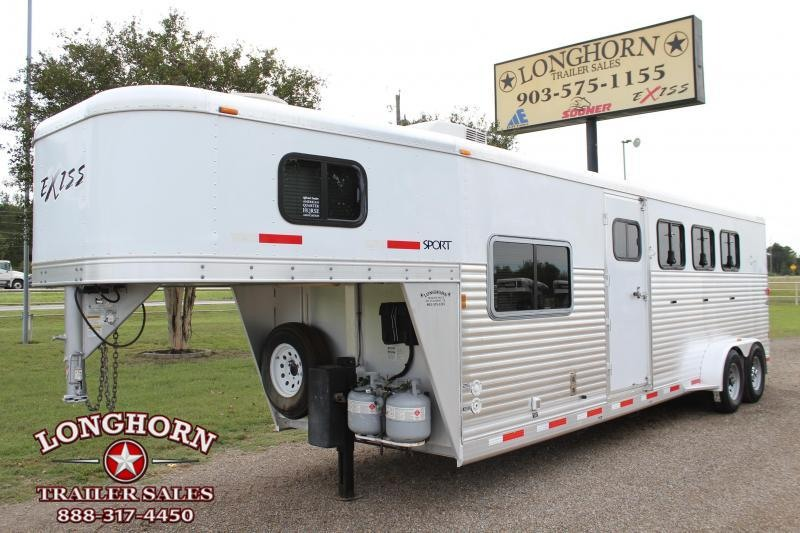 2008 Exiss 4 Horse with 7ft Living Quarter Horse Trailer