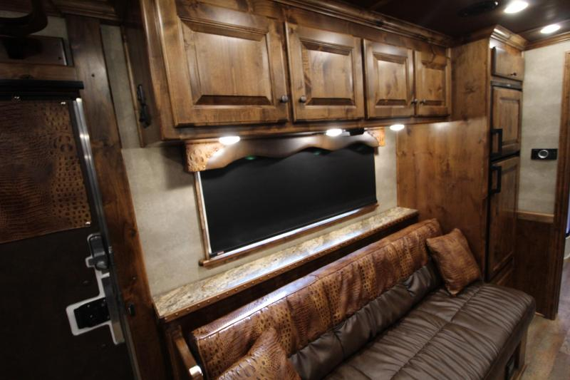 2020 Elite Trailers 3 Horse 16.8ft Shortwall Side Load with Slide Out Horse Trailer