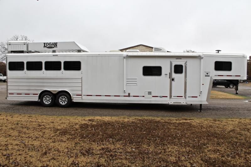 2019 Logan Coach4 Horse 14ft Living Quarter with Slide and Gen.