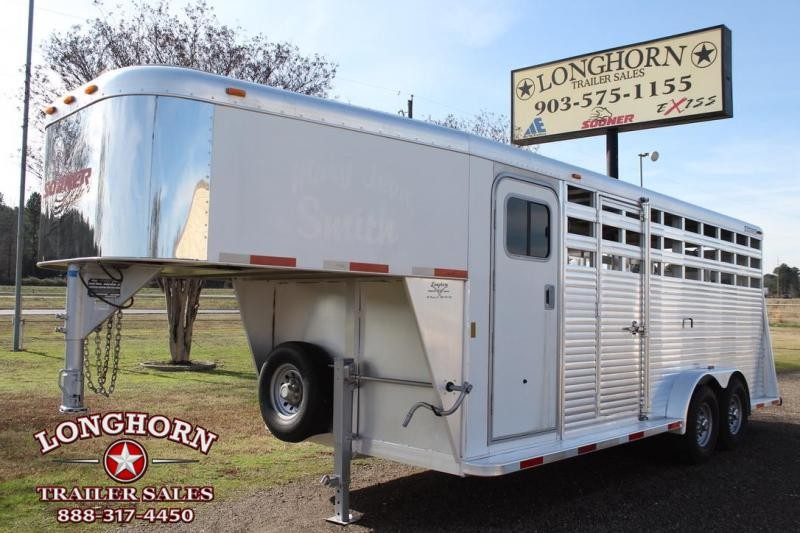 2005 Sooner 20ft Stock Combo with 4ft Tack Room and Rear Ramp Livestock Trailer