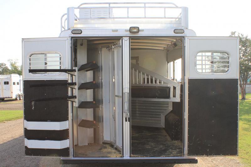 2015 Elite 3 Horse 12.8ft Living Quarter with Generator