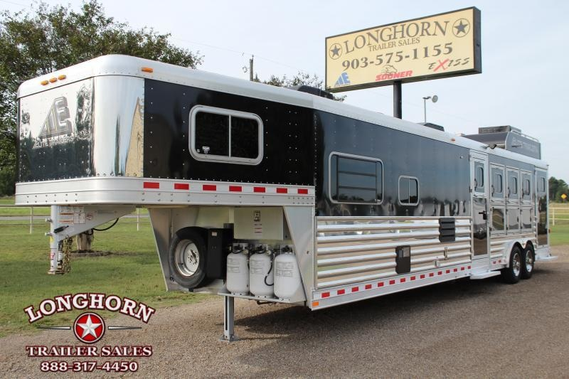2015 Elite 4 Horse 15ft Living Quarter with Generator by Trail Boss