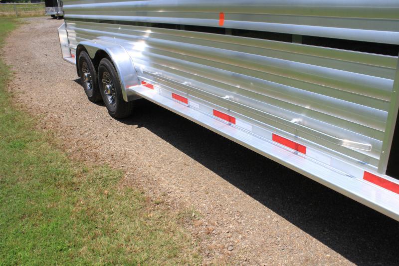 2020 Exiss  25' Stock Combo w/ 4 pens / Side Ramp & Rear Ramp