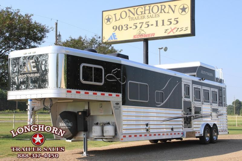 2015 Elite 4 Horse 12.8ft Shortwall with Generator