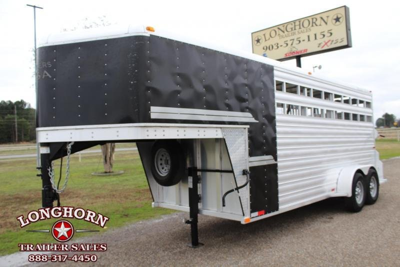 2016 Trailers USA Inc. 3 Horse Gooseneck with Removable Front Tack Horse Trailer
