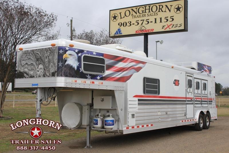 2001 4-Star 3 Horse 13 Lq w/ Mudroom