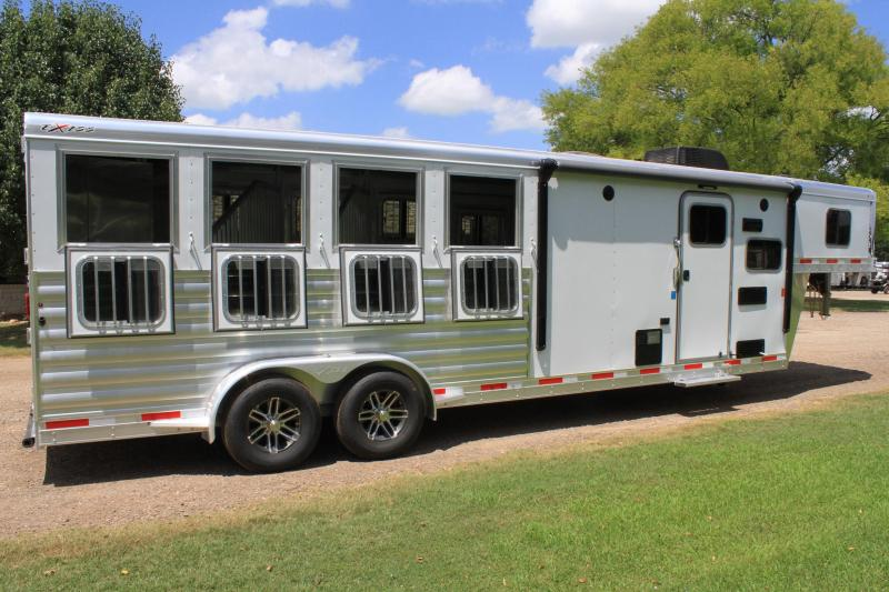 2020  Exiss 4 Horse with 8.6ft Shortwall