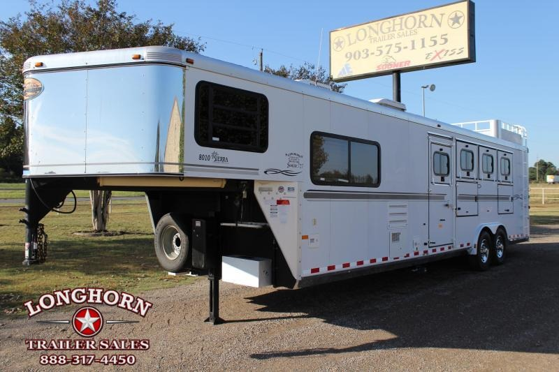 2005 Sundowner 4 Horse 10 Living Quarter with Mangers