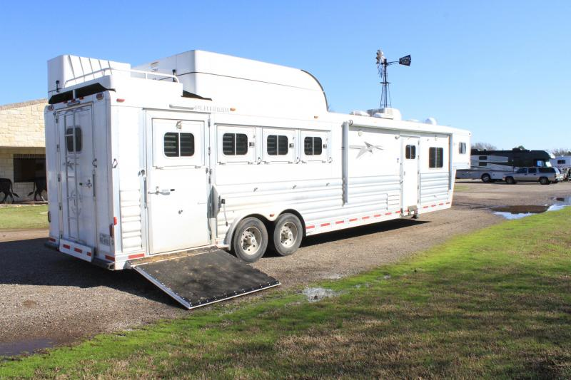 2017 Platinum Coach 4 Horse 15ft Side Load with Hay Pod Horse Trailer