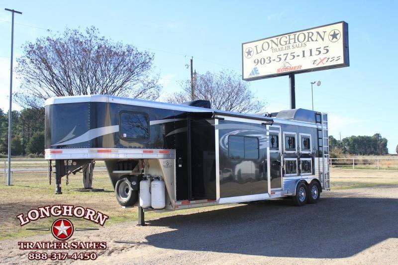 2017 Lakota 3 Horse 11 Ft Lq w/ Slide out & Generator