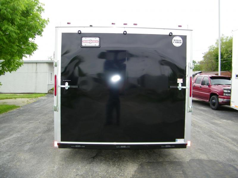 2020 Wells Cargo Road Force V-Nose 8.5x24 Enclosed Car / Racing Trailer