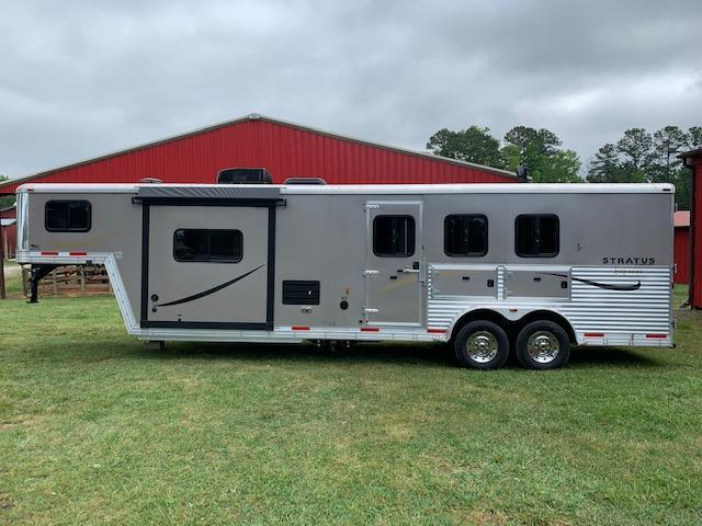 2014 Bison Stratus Express 3 Horse Trailer w/ 12' SW Living Quarters