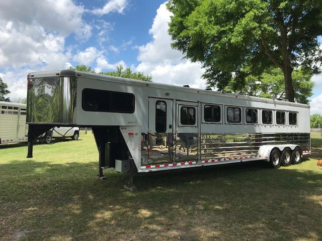 2003 Sundowner 7 Horse Slant Load Trailer