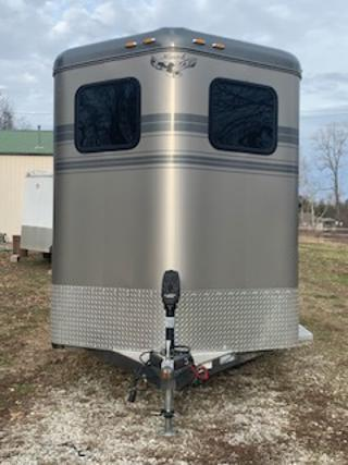 2016 Hawk Classic Elite 2H BP Horse Trailer