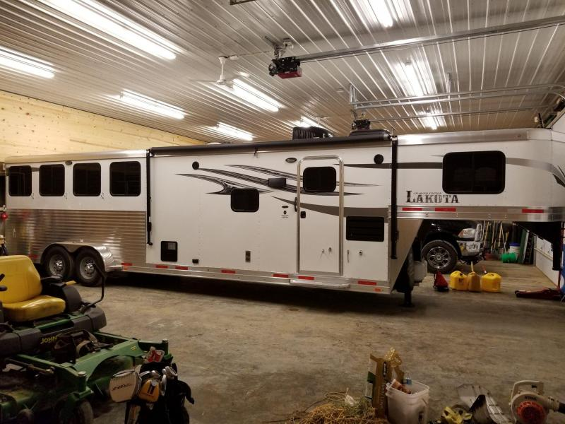 2017 Lakota Charger C411 Horse Trailer