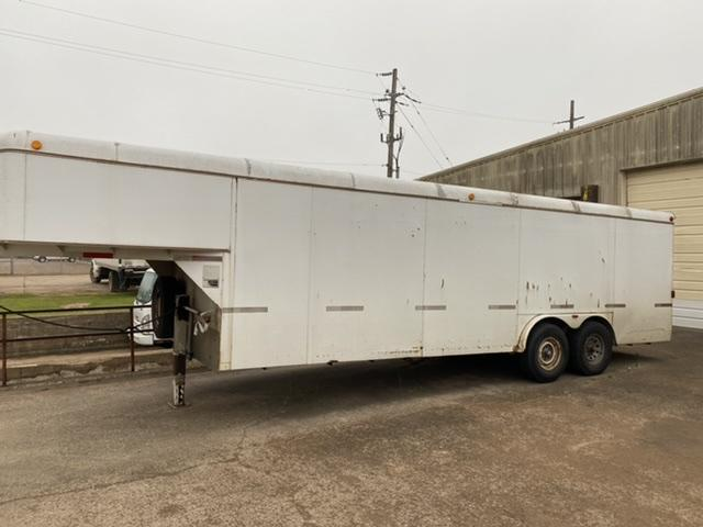 2008 WW 8' x 28' Gooseneck Enclosed Cargo Trailer