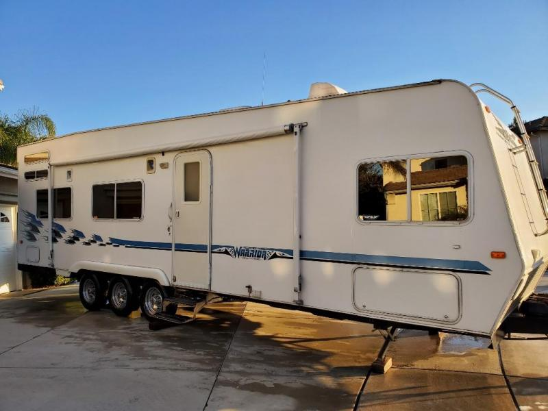 2004 Weekend Warrior FS3000 Toy Hauler