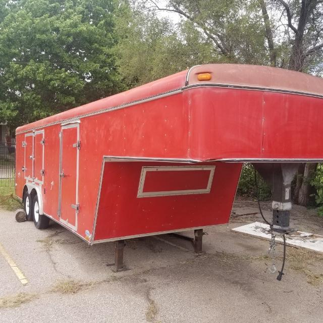 1998 United Expressline 8X30 Gooseneck Enclosed Cargo Trailer