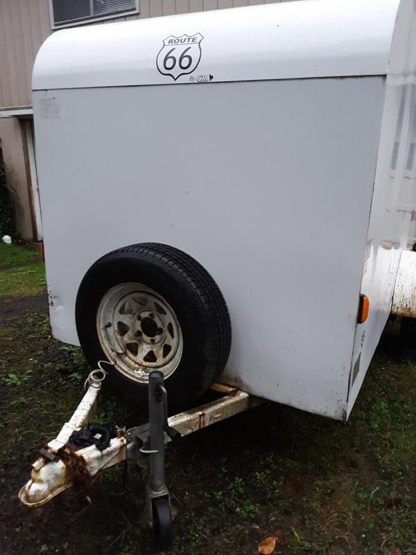 2006 CM Economite 5 x 10 Enclosed Trailer w/ 6' Ramp