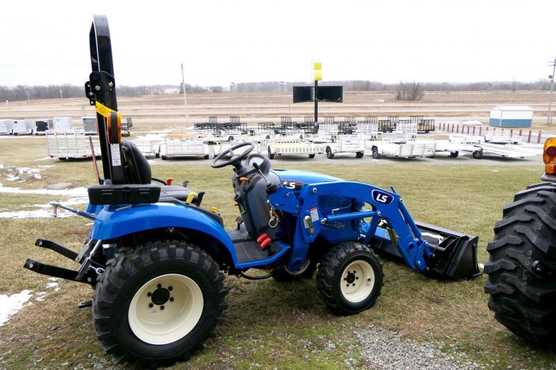 2020 LS Tractors XJ2025H Sm-comp w/ Loader