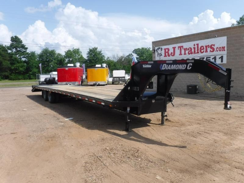 2019 Diamond C Trailers 102 x 40 MAX210 Equipment Trailer